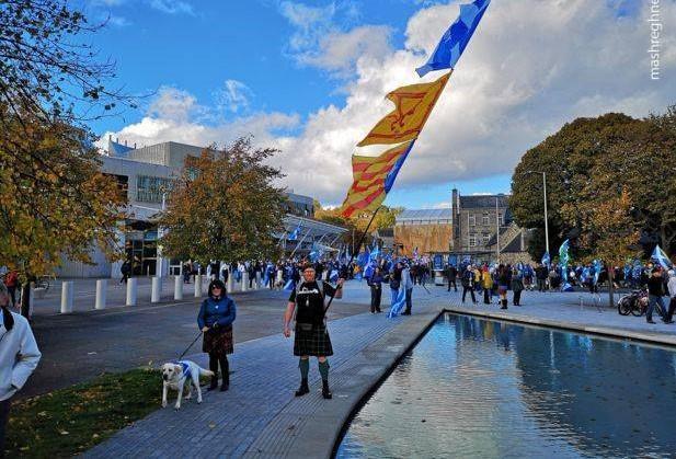 اسکاتلندی های جدایی طلب در خیابان