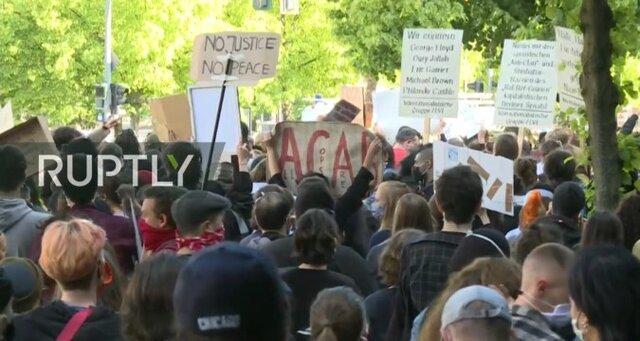 اعتراض علیه رفتار های نژادپرستانه در آمریکا به آلمان رسید