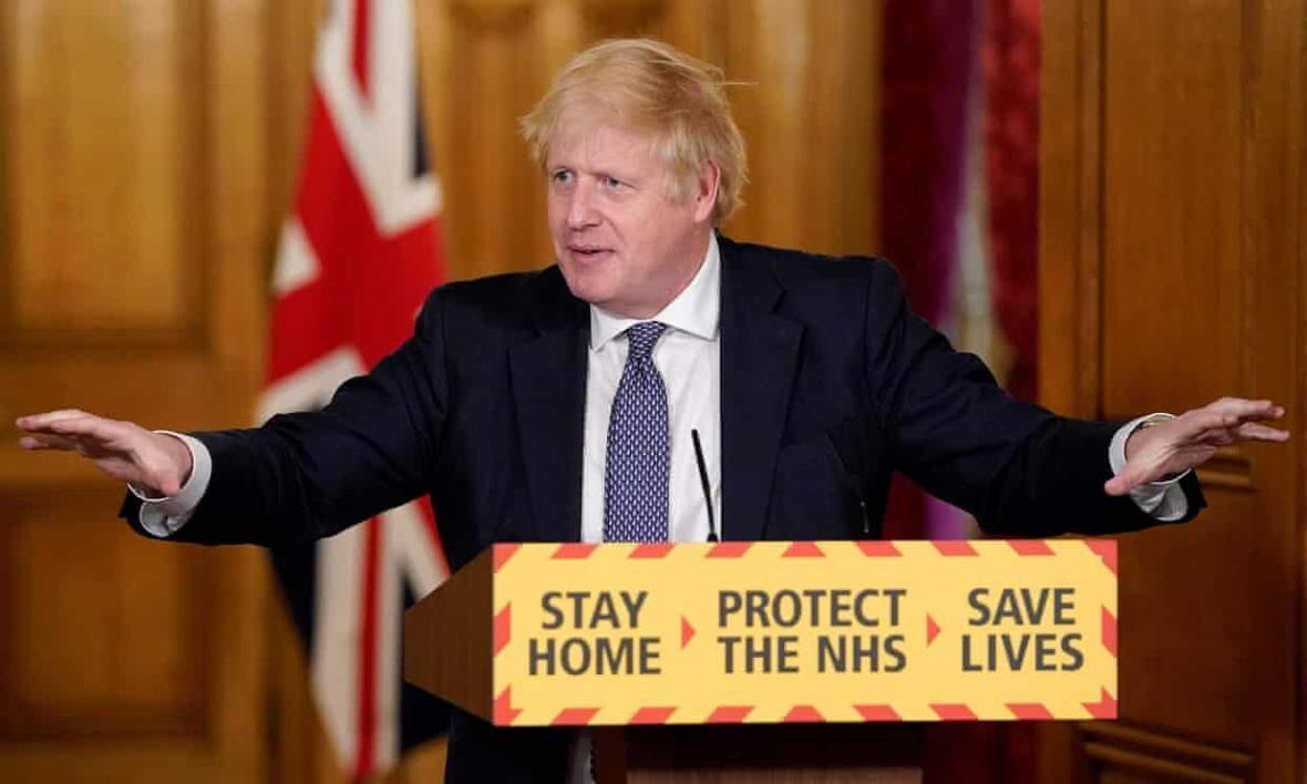 خبرنگاران محدودیت ها درباره برگزاری گردهمایی در انگلیس آسان شد