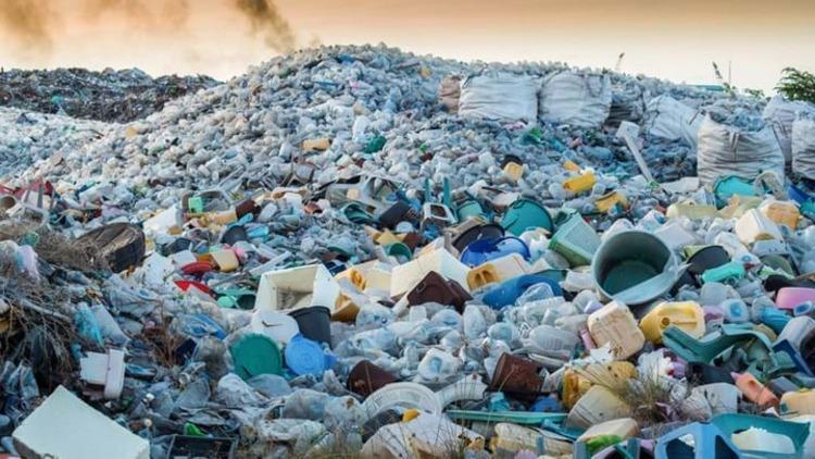 پلاستیک های سرگردان روز های کرونایی