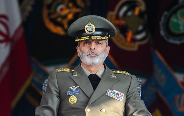 سرلشکر موسوی: ناگفته های 8 سال دفاع مقدس تبیین گردد