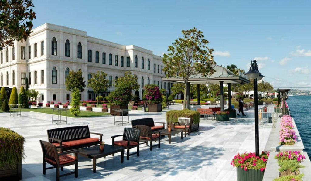 معرفی Four Seasons Hotel Istanbul At The Bosphorus استانبول