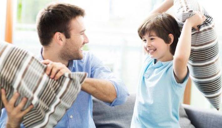 با فرزند خود همبازی شوید
