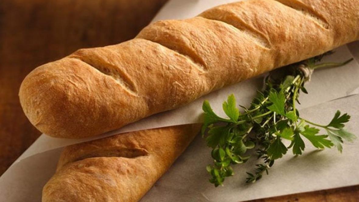 طرز تهیه نان باگت در خانه؛ روزهای قرنطینه را جذاب کنیم