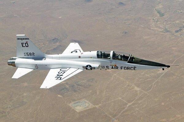 هواپیمای نظامی آمریکا سقوط کرد، هر 2 خلبان کشته شدند