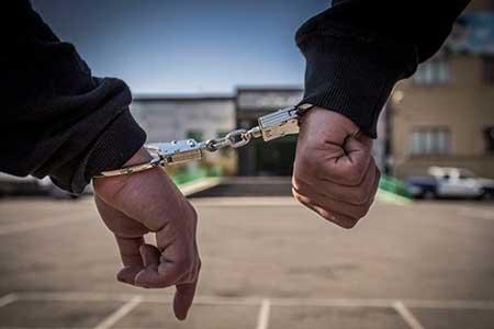 انهدام باند سرقت تلفن همراه مشتریان آرایشگاه زنانه ، زن آرایشگر و دو موتورسوار دستگیر شدند