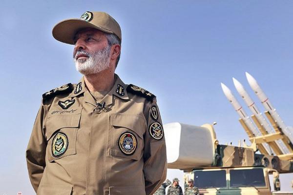 بازدید فرمانده ارتش از مرز افغانستان